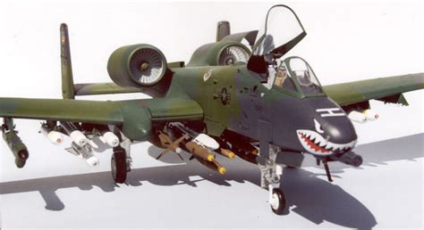 Republic A-10A Thunderbolt by Thomas Conte (Trumpeter 1/32)
