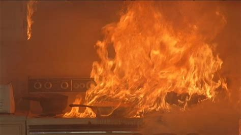 Test shows how quickly grease fires can spread - YouTube