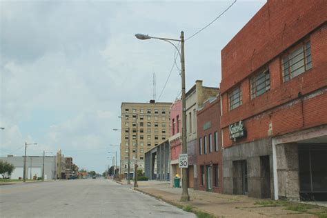 The 10 Poorest Cities in Texas With a Population Over 50,000