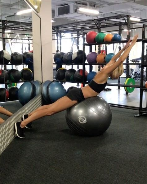 Some of my fave back and ab exercises on the fit ball