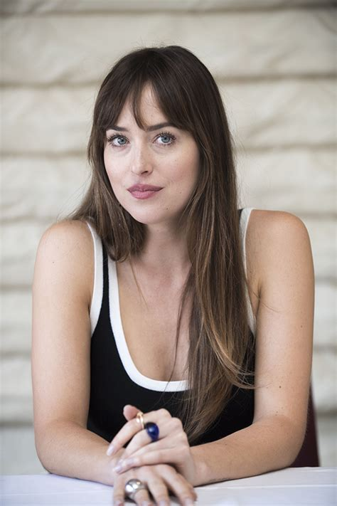 Ez most komoly?? Dakota Johnson TERHES?! - GLAMOUR