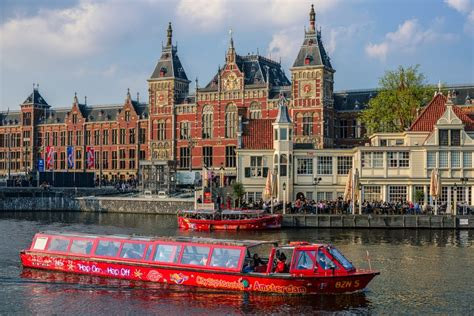 Hop on - Hop off Amsterdam Canal Cruise | Amsterdam