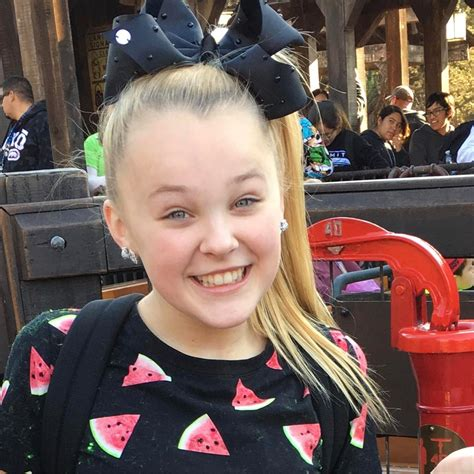 How Much Money Its Jojo Siwa Makes On YouTube - Net Worth