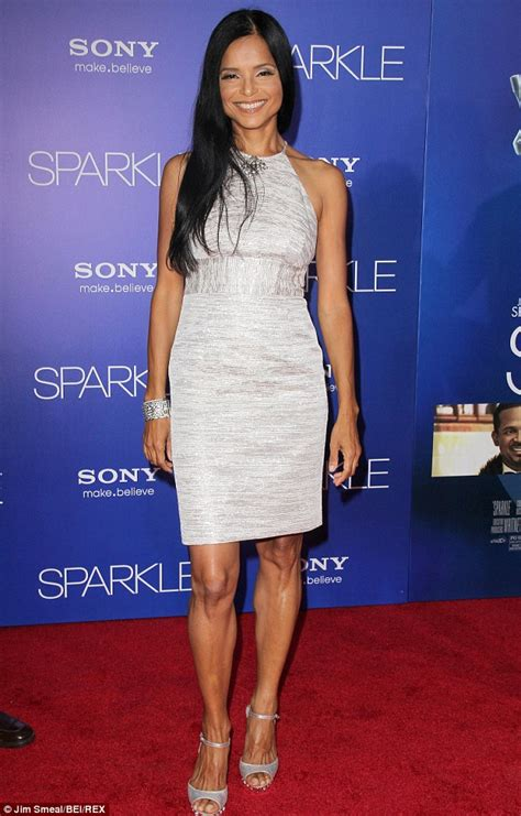 Young And The Restless' Victoria Rowell divorces Radcliffe