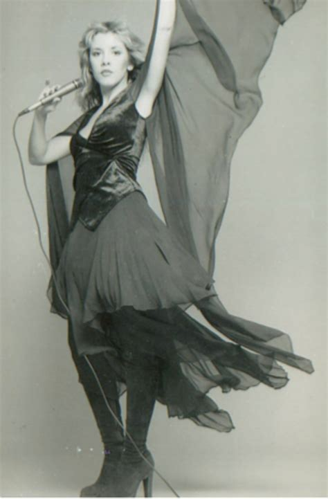 THE APPRECIATION OF BOOTED NEWS WOMEN BLOG : Stevie Nicks