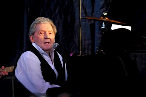 Jerry Lee Lewis weds cousin's castaway